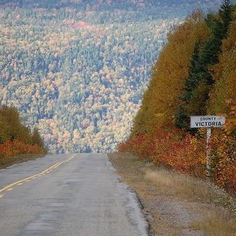 Victoria_county_line_St_James_Road
